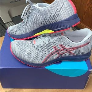 NEW ASICS running shoes